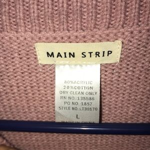 Main Strip Sweaters - Beautiful Thick Sweater With Flared Sleeves